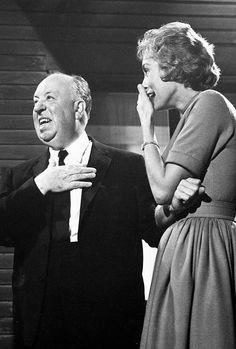 Alfred Hitchcock y Janet Leight en un descanso de Psicosis.