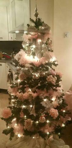 Onze mooie roze kerstboom