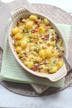 Lekker en Simpel uploaded this image to See the album on Photobucket. Dutch Recipes, Cooking Recipes, Food Porn, Oven Dishes, Happy Foods, Winter Food, Ovens, Quick Easy Meals, No Cook Meals