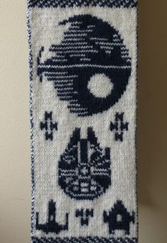 ODD eclectic Star Wars scarf chart!