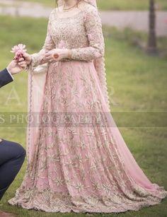 Valima bride – The Best Ideas Pakistani Fancy Dresses, Pakistani Wedding Outfits, Red Wedding Dresses, Pakistani Dress Design, Bridal Outfits, Wedding Gowns, Prom Dresses, Walima Dress, Shadi Dresses