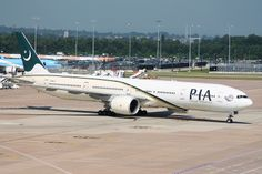 Boeing 777: 33778 AP-BHV 777-340(ER) PIA Manchester Airport