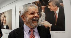 """#PelaMoralizaçãoDaJustiça  Lula 70 Anos: popularidade resiste à guerra suja da mídia. O ex-presidente completa seus 70 anos de vida, com uma porcentagem de eleitores fiéis que é mais alta que a de todos os políticos brasileiros. Neste país quem condena é a mídia. Quem condena não é o juiz, é a capa do jornal, o que alimenta um clima de suspeita generalizada. """" Me irrita ver os corruptos históricos falando de corrupção"""", disse Lula, na sexta-feira, durante uma viagem pelo Nordeste. """"…"""