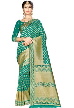 #green #salwar #kameez dupatta mostly liked by #fair #girls or #womens, #Pakistani #loves to wear green suits, #Nikvik.com is the best seller of green #suits and pakistani #dresses Green Suit, Green Saree, Art Silk Sarees, Pink Art, Traditional Sarees, Sarees Online, Green Colors, Sari, Indian