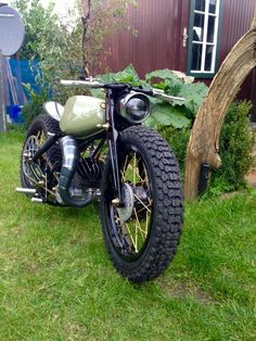Custom Bobber, Custom Motorcycles, Cars And Motorcycles, Moto Cafe, Cafe Racer Motorcycle, Quad, Motorized Bicycle, Moto Style, Bike Parts