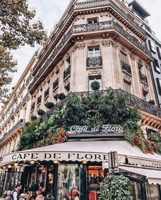 Pretty cute sidewalk terrace cafe in Paris, France. Places to visit and see on your vacation trip to Paris. Paris bucket list things to do. Cafe de Flore in Paris. Paris France, Oh Paris, Paris Cafe, Streets Of Paris, France Cafe, I Love Paris, Best Vacation Destinations, Best Vacations, Europe Destinations
