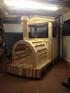Pallet Wood Train Engine / Playhouse