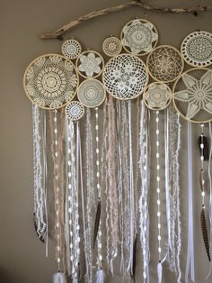 Discover thousands of images about Crochet Doily Dream Catchers-Inspiration Mandala Mural, Dreamcatcher Crochet, Los Dreamcatchers, Doily Art, Doily Dream Catchers, Affordable Home Decor, String Art, Crochet Doilies, Wind Chimes
