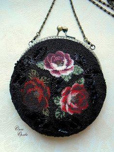 Купить или заказать Три розы в интернет-магазине на Ярмарке Мастеров. Полностью вышитая сумочка.