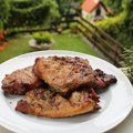 Pácolt, grillezett tarjaszeletek Grilling, Bacon, Keto, Chicken, Food, Meal, Crickets, Essen, Hoods