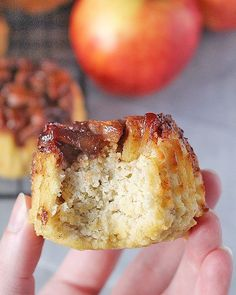 Paleo Apple Cinnamon Upside Down Muffins - Easy Paleo Recipes Paleo Dessert, Paleo Menu, Paleo Sweets, Healthy Desserts, Cookbook Recipes, Real Food Recipes, Cooking Recipes, Paleo Apple Recipes, Primal Recipes
