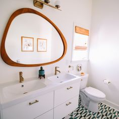 A small bathroom can give you the functionality and luxury you deserve because it can fit a double sink vanity. Countertop space won't be so expanding, but the vanity will still serve the purpose and look great.  #doublesinkvanity #doublesinkbathroom #doublesink #doublesinkvanityunit #interiorstyling #bathroomvanity #bathroomvanitytops #homedecorideas #bathroomdesign #homedesignideas #interiorandhome #bathroomvanityideas #interiordesignlovers #homebeautiful #bathroomvanityunit #vanityroom Cheap Bathrooms, Vintage Bathrooms, Amazing Bathrooms, Minimalist Bathroom, Modern Bathroom, Small Bathroom, Bathroom Trends, Bathroom Renovations, Bathroom Ideas
