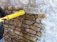 055 – Le rejointoyage pour les nuls 055 – Repointing for dummies – Renovation of a barn in a house … Central Island, Cheap Home Decor, Home Renovation, Interior Design Living Room, Edm, Garden Tools, Bar Stools, Home Goods, Home Improvement