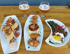 Tapas Tuesday sent with love, Smoked Cuban Sandwich, Loaded Potato Cake w/ Chicken Bites, Grilled Asparagus, Double Fried Cauliflower and Nitro Beer Float; a couple of recently added brews, @burgeonbeer no soliciting ipa and @cerveceriaw del mar perro ipa, live music starts at 6:30, cheers 🍻 . . . . . #tapas #tapastuesday #food #yum #smallplates #grub #sdfood #lovefood #craftbeer #lovebeer #truebeer #livemusic #sdmusic #localmusic #sdbeer #beer #lovebeer #leucadia #encinitas #sandiego…