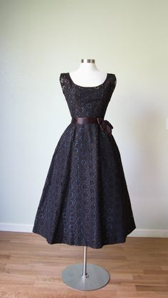 Mollie Parnis Silk Taffeta Eyelet Lace New Look Party Dress // Black over Turquoise // Exquisite 50s Dresses, Pretty Dresses, Beautiful Dresses, Vintage Dresses, Casual Dresses, Vintage Outfits, Vintage Fashion, Vintage Clothing, Retro Fashion