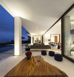 Residência Jaragua / Fernanda Marques Arquitetos Associados