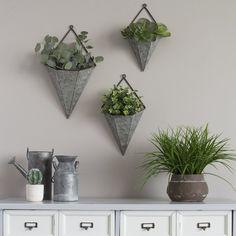Amoroso Triangular Galvanized 3-Piece Metal Wall Planters Set