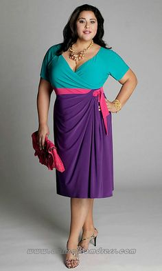 Plus size outfit without a belt but gives a a great idea for combining colours with our pink obi belt Vestidos Plus Size, Plus Size Prom Dresses, Plus Size Outfits, Plus Zise, Mode Plus, Plus Size Fashion For Women, Plus Size Women, Curvy Girl Fashion, Womens Fashion