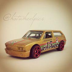 Volkswagen Brasilia - 2015 Hot Wheels - Holiday Hot Rods #hotwheels | #diecast | #toys | #Christmas | #hwp2015xmas