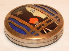 Rare Art Deco Flapper Woodworth Powder Compact.   Something special from Lavender Hill Antiques