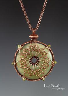 Jewelry Making – Fine Sea Glass Jewelry Wire Jewelry Designs, Jewelry Crafts, Jewelry Art, Wire Jewellery, Jewelry Hanger, Wire Wrapped Pendant, Wire Wrapped Jewelry, Bijoux Fil Aluminium, Diy Jewelry Inspiration
