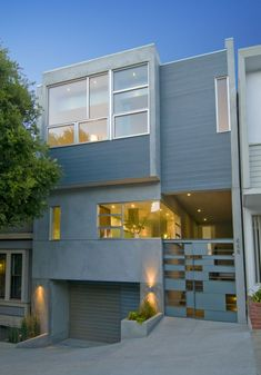 Group 41 Architects designed the H House in San Francisco, California.