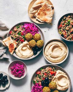 Delicious falafel, without the deep-fry. Oven baked, packed with delicious fresh herbs & spices, and amazingly versatile. A meal-prepper's dream. (V+GF) Veggie Recipes, Whole Food Recipes, Vegetarian Recipes, Cooking Recipes, Healthy Recipes, Falafel Wrap, Falafel Pita, Falafel Salad, Good Food
