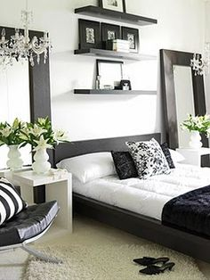 Black and White Room, want to do my room in black and white with accents in color! with baby blue and orange!!!!
