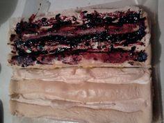 Fantastický kardinálov koláč s čučoriedkami (fotorecept) - recept | Varecha.sk Food And Drink, Drinks, Cake, Desserts, Drinking, Tailgate Desserts, Beverages, Deserts, Kuchen