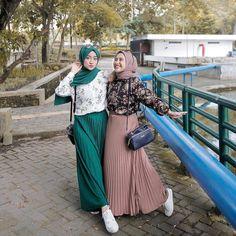 Ootd Hijab, Casual Hijab Outfit, Casual Outfits, Korean Fashion Dress, Muslim Fashion, Ootd Fashion, Fashion Outfits, Trendy Fall Outfits, Style Outfits