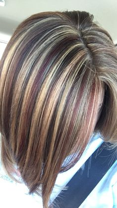 Cute & girly 28 Awesome Blonde And Red Highlight Ideas 2018 Brown Hair With Blonde Highlights, Brown Ombre Hair, Hair Color Highlights, Hair Color Balayage, Brown Hair Colors, Brown Hair Shades, Chunky Highlights, Medium Hair Styles, Short Hair Styles