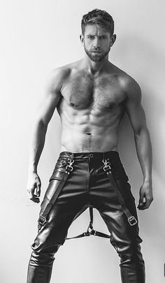Mens Leather Pants, Sr1, Hommes Sexy, Hairy Chest, Shirtless Men, Hairy Men, Attractive Men, Leather Fashion, Men's Fashion