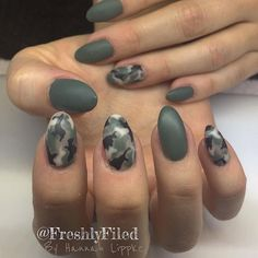 Camouflage nails by freshlyfiled camo nail art, unghie in stile camouflage, chiodi camo, Military Nails, Army Nails, Camo Nail Art, Camouflage Nails, Nail Polish Style, Nail Polish Designs, Cute Nails, Pretty Nails, Soft Nails