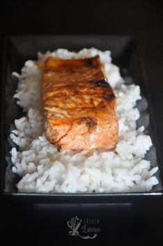Somon teriyaki, reteta japoneza, carne marinata intr-un amestec de sos de soia, miere sau zahar si mirin, otet de orez pentru o crusta lucioasa, apetisanta|Casuta Laurei Gordon Ramsay, Weeknight Meals, Stay Fit, Dinner Recipes, Lose Weight, Rice, Healthy Recipes, Recipe Ideas, Easy