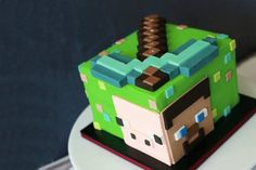 Looking to make a Minecraft cake? These 25 different Minecraft birthday cake ideas will give you plenty of inspiration, from easy to make frosted cubes to elaborate world scenes. Minecraft Torte, Minecraft Birthday Cake, Easy Minecraft Cake, Minecraft Crafts, Minecraft Ideas, Minecraft Skins, Mine Craft Party, Birthday Cupcakes, Boy Birthday