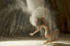 Szwarc, mydło i powidło: Nadzy tancerze w gwiezdnym pyle