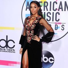 The face you give the paps when you know youre killing it on the @amas red carpet  Link in bio for more. #kellyrowland #americanmusicawards #amas #amas2017 #ellemalaysia #redcarpet via ELLE MALAYSIA MAGAZINE OFFICIAL INSTAGRAM - Fashion Campaigns  Haute Couture  Advertising  Editorial Photography  Magazine Cover Designs  Supermodels  Runway Models