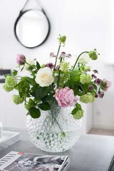 House Of Philia: Buketter Ska Ju Vara Vackra and En Fodelsedagspresent Cut Flowers, Fresh Flowers, Beautiful Flowers, Beautiful Flower Arrangements, Floral Arrangements, House Of Philia, Deco Floral, My Flower, Bouquets