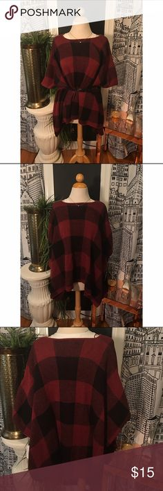 Plaid Poncho This super comfy plaid poncho is an easy going piece that can be styled so many way! It's brand new from Charming Charlie's and has a knit design with overlapping lines. It's listed/marked as a small, but since it's loose, it could fit sooo many people! Charming Charlie Sweaters Shrugs & Ponchos