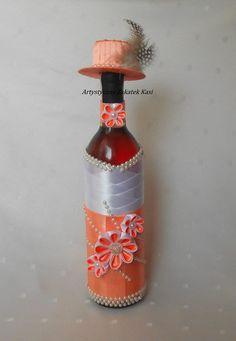 Recycled Wine Bottles, Wine Bottle Art, Diy Bottle, Bottle Crafts, Champagne Bottles, Bottles And Jars, Sweet 15 Invitations, Personalized Wine Bottles, Bottle Cover