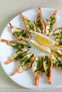 Roasted Butterflied Prawns in Garlic-Parsley Butter (Delia Smith) - Seafood - Roasted Butterflied Prawns in Garlic-Parsley Butter Informations About Roasted Butterflied Prawns in - Shrimp Dishes, Shrimp Recipes, Fish Recipes, Appetizer Recipes, Seafood Appetizers, King Prawn Recipes, Octopus Recipes, Food Shrimp, Canapes Recipes