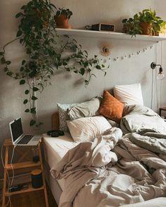 Diy Living Room Decor, Cute Room Decor, Room Ideas Bedroom, Bed Room, Bedroom Inspo, Ikea Bedroom, Dark Furniture Bedroom, Wall Art Bedroom, Boho Teen Bedroom