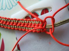 Paracord idea...still looking for perfect instructions to I can make my own camera strap!
