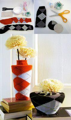 Decorar jarrones reciclando antiguos calcetines
