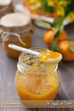 Questa ricetta homemade della marmellata di mandarini è meravigliosa e profumatissima. Dolce al punto giusto ricca di frutta e fatta in casa ha un altro sapore