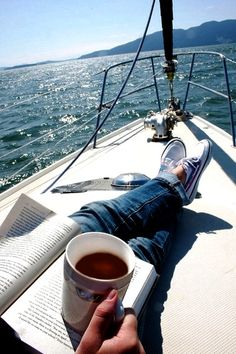 I want to do this SOO bad, it's crazy... Waking up, grabbing some coffee and my bible and going sailing... Then anchoring out in the middle and just reading as the water rocks the boat #Sailboat #coffee