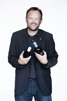Thomas Rydberg har en diplomuddannelse hos WSET i London og er vinanmelder og skribent. Han er initiativtager til den store spanske vinfestival, som årligt bliver afholdt i Pressen i Politikens Hus, og han er manden bag sitet om spansk vin altomspanskvin.dk