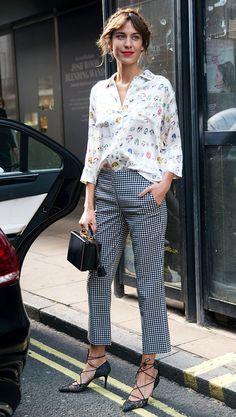 As mini-bags são um must-have das fashion girls para deixar um look mais chic.