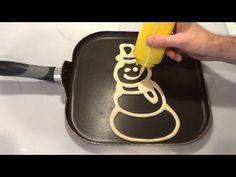 ▶ VIDEO How to Make Christmas Pancakes different pancake art patterns) - YouTu Santa Pancakes, Christmas Pancakes, Christmas Brunch, Breakfast Pancakes, Christmas Breakfast, Christmas Treats, Christmas Fun, Pancake Art, Pancake