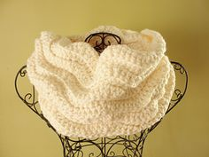 Fast, fun and functional! Great BEGINNER CROCHET PATTERN!